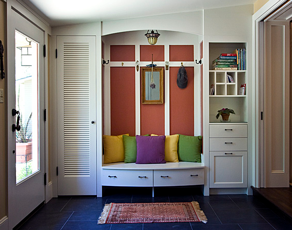 Hard-working mudroom
